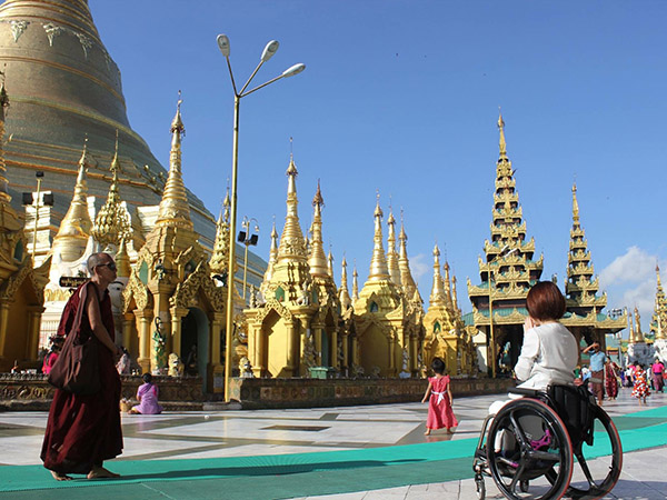 車椅子でミャンマーへ
