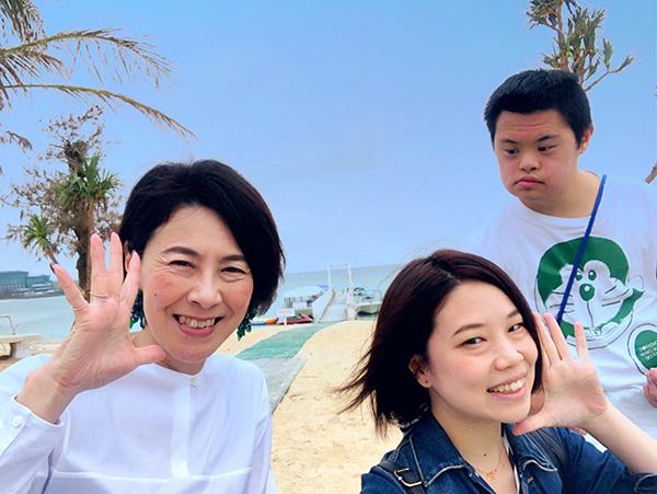 岸田ひろ実さんの旅行の様子