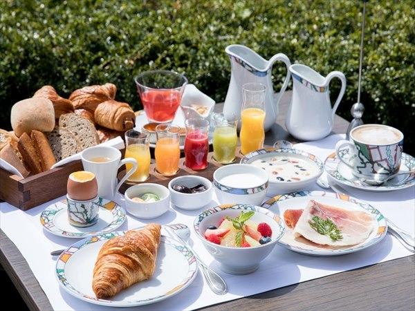 朝の過ごし方の意識が変わる!ここでしか食べられない、神戸北野ホテル「世界一の朝食」