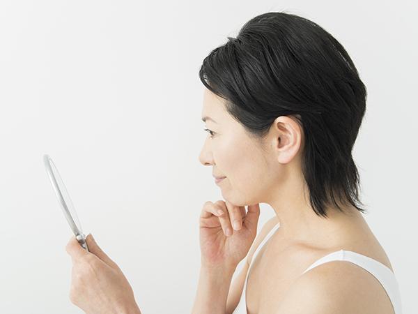 花粉症による肌荒れのときに使えるメイクアイテム