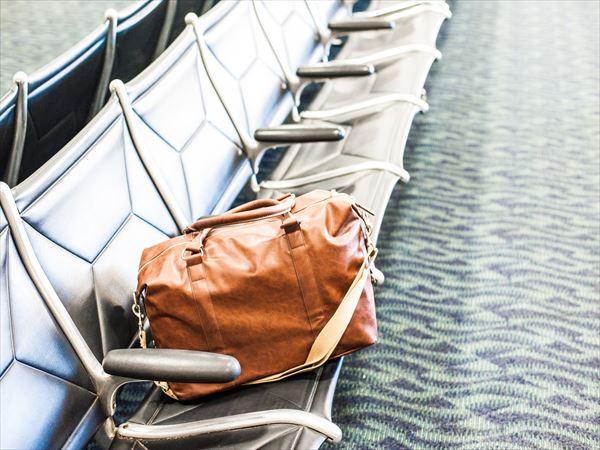 海外でバッグの置き引きに会ったら
