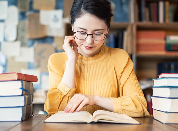 働く女性におすすめの本を紹介