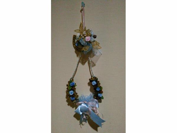 馬蹄の飾り、平和への祈り
