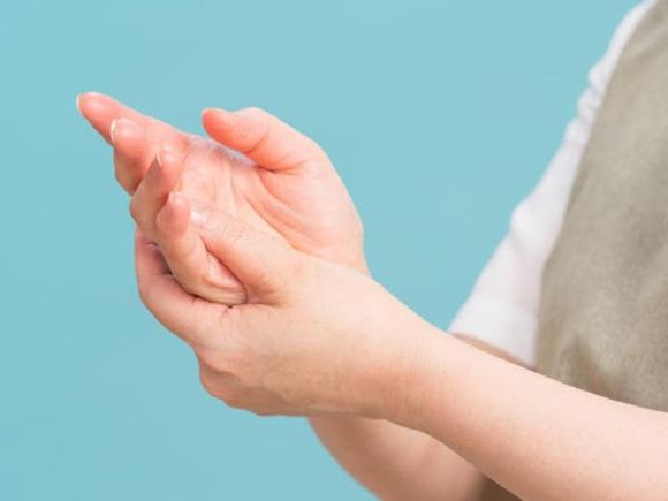 女性に多い手指の病気