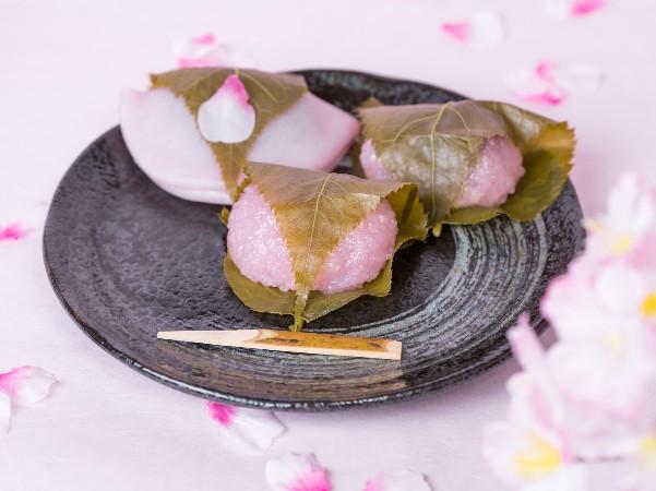 桜餅は関東と関西で違うって本当?