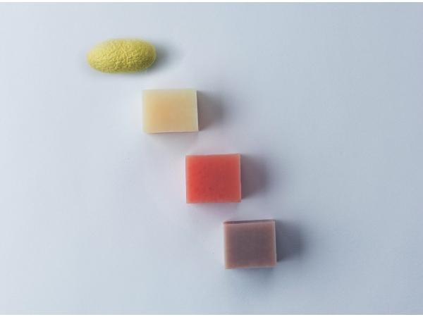 絹生活研究所 石けん(3個セット)繭玉付き5名様